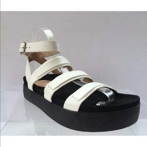 Womens L.A.M.B White Leather Sandals Size 6.5